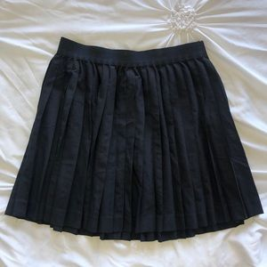 H&M pleated miniskirt